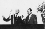President Lee Seung-man complimenting Paiknam after a lecture in the Hanyang University auditorium