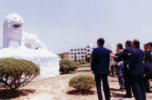 Unveiling ceremony of the lion sculpture at Banwol School (current ERICA campus) (1982.4.5.)
